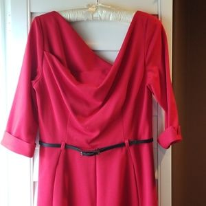 Black Halo red jumpsuit 'Jackie'. 3/4 sleeves